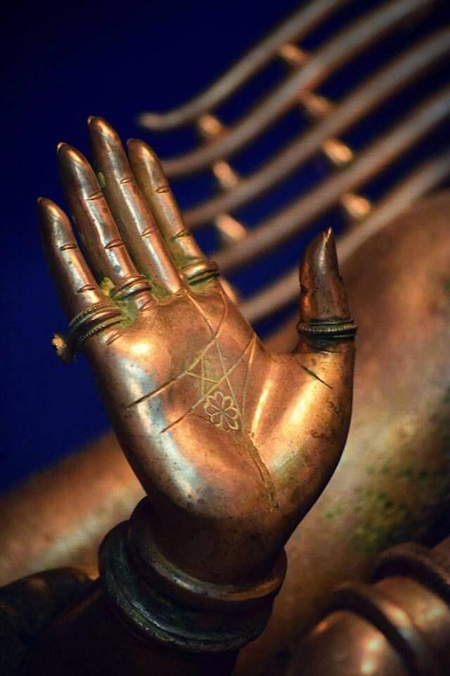 arjuna-vallabha:  Shiva Nataraja abhaya (fearless) mudra