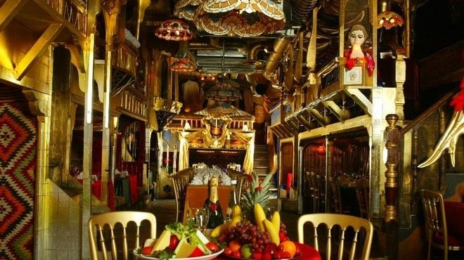 Sarastro: Quirky Opera music & Restaurant (Covent Garden)