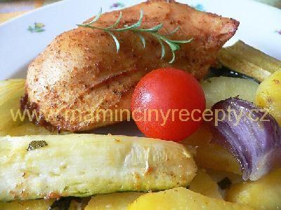 Bylinkové brambory s kuřecími prsíčky