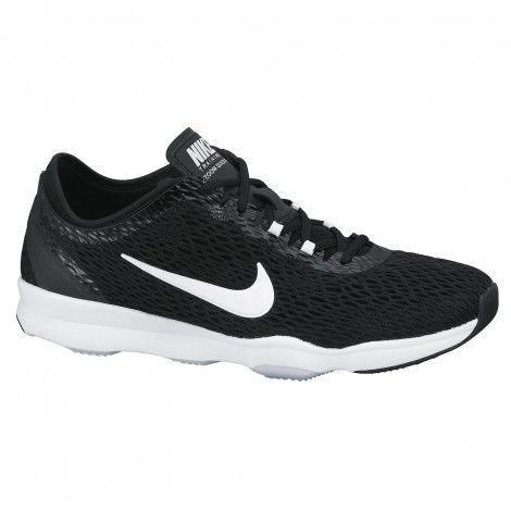 De Air Zoom Quick Fit 704658-002 dames #fitness #schoenen van @Nikefactoryusa zijn geschikt voor indoor en outdoor trainingen, dragen comfortabel en bieden veel flexibiliteit en grip.