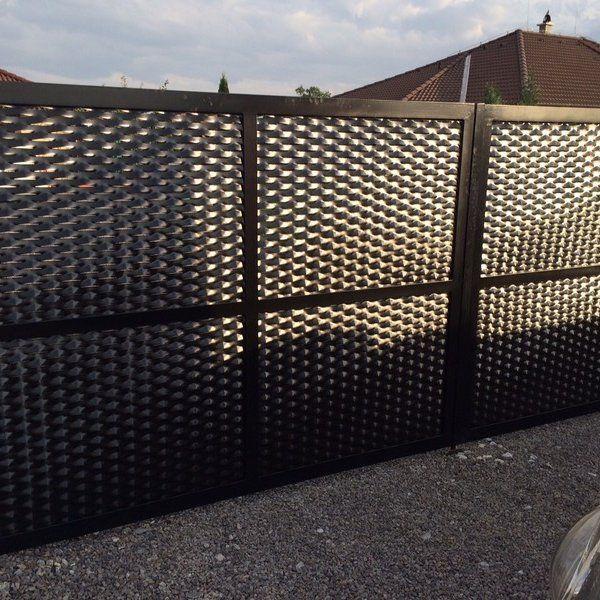 Dvoukřídlá brána - realizace Brno