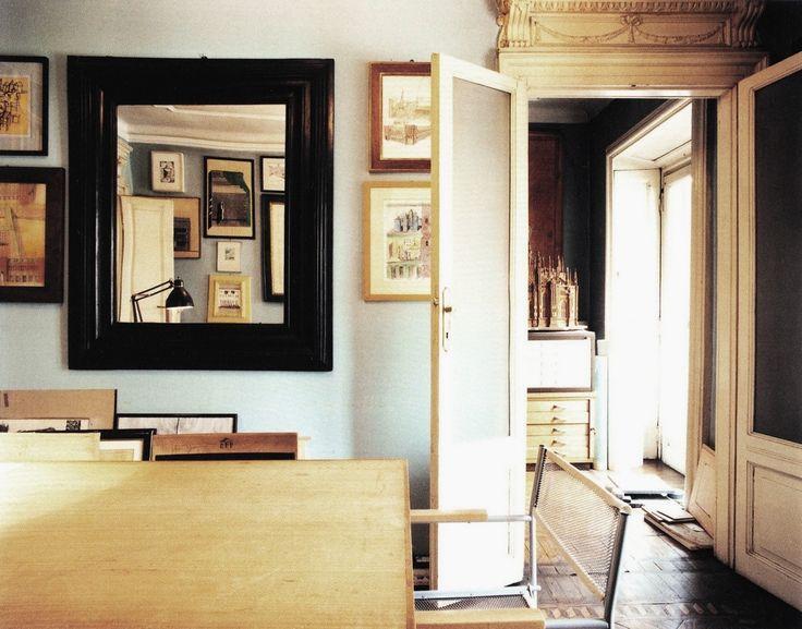 Ghirri Luigi. Milano, Studio di Aldo Rossi, 1989-1990. Materiali; stampa fotografica. Collocazione; Archivio Luigi Ghirri, Biblioteca Panizzi, Reggio Emilia