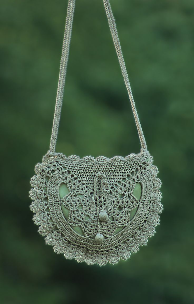 crochet purse... click to see more pictures. @Amanda  Darnell hahahaha i think we should send this to grandma c :)