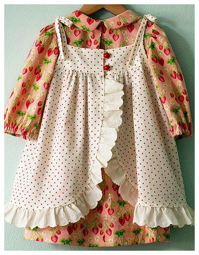 Strawberry RufflesSweets Baby, Strawberries Ruffles, Adorable Dresses, Peasant Dresses, Alice In Wonderland, Baby Dresses, Princesses Jumpers, Strawberries Fabrics, Dresses Aprons