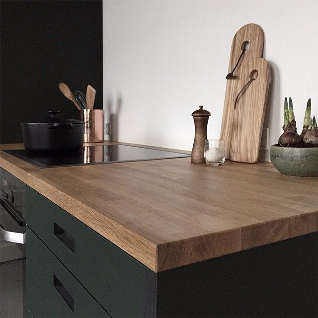 #green #conifer #linoleum combined with silky soft oiled nature #oak tabletop by #andshufl #danishdesign #kitchen #handmadeindenmark #køkken #kjøk #ikeahack #ikeainside #interior #interør #desig