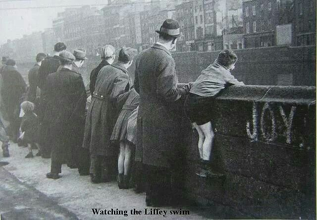 Liffey swim spectators, Dublin.