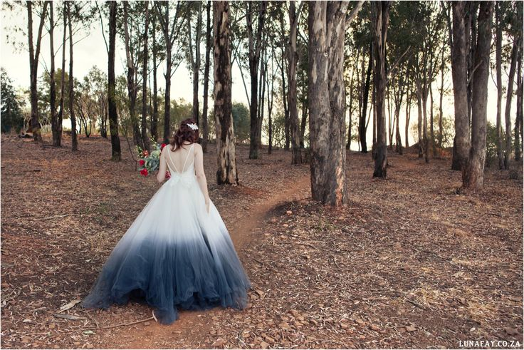 Red, Navy, White Wedding. Red Colour palette, Modern Wedding, Ombre Wedding Dress,  www.lunafay.co.za