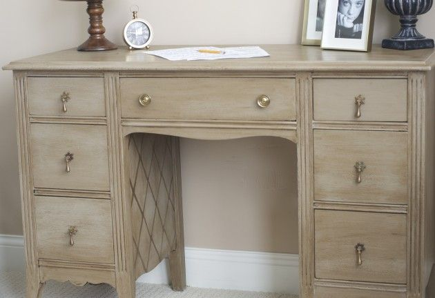 annie sloan coco | And after a few coats of Annie Sloan Coco with dark wax, plus a little ...