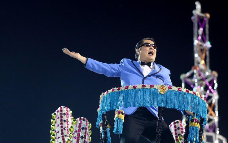 Desfile da Unidos de Vila Maria teve direito até a cover do cantor coreano Psy