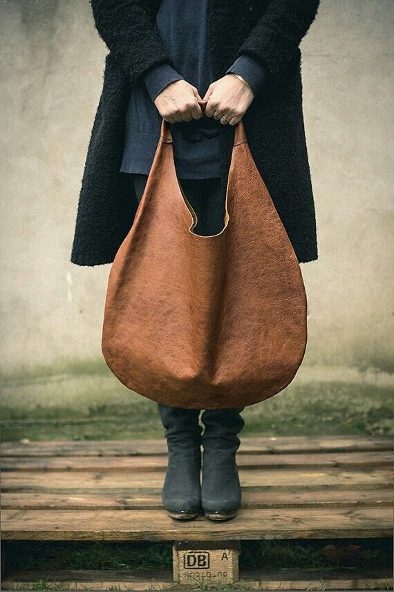 Leather or canvas bag? What do you like?