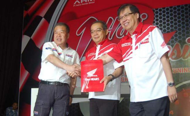 """One Heart """"Satu Hati"""" Semakin Menempel Di HRC MotoGP - Vivaoto.com - Majalah Otomotif Online"""