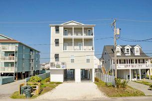 Myrtle Beach Vacation Rentals | CAROLINA TRADEWINDS NORTH | Myrtle Beach - Cherry Grove