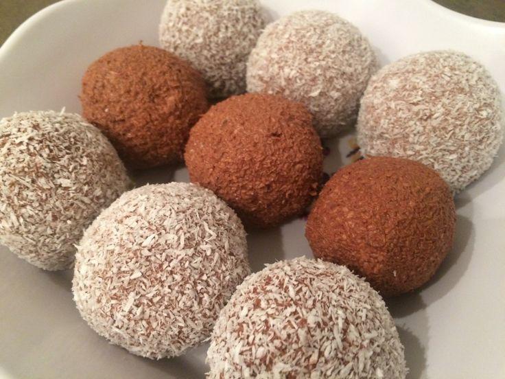 Dvoubarevné kuličky z tvarohu a kokosu bez cukru, mouky a vajíčka