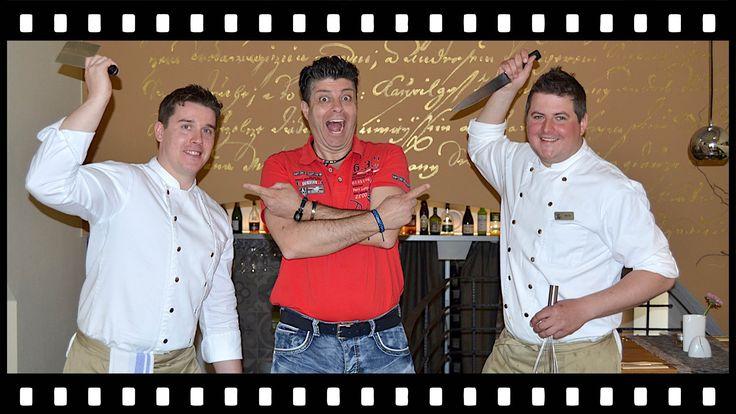 S Majklem za Dobrým Jídlem je kulinářský seriál na Youtube. Host je Majkl od Vařte s Majklem. Koncept tohoto seriálu je že Majkl hledá dobré restaurace and d...