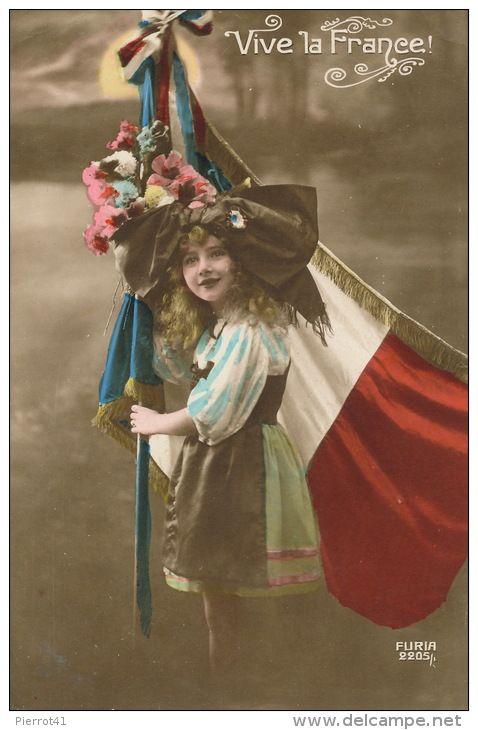 """GUERRE 1914-18 - Jolie carte fantaisie petite fille alsacienne avec drapeau français """"Vive la France"""""""