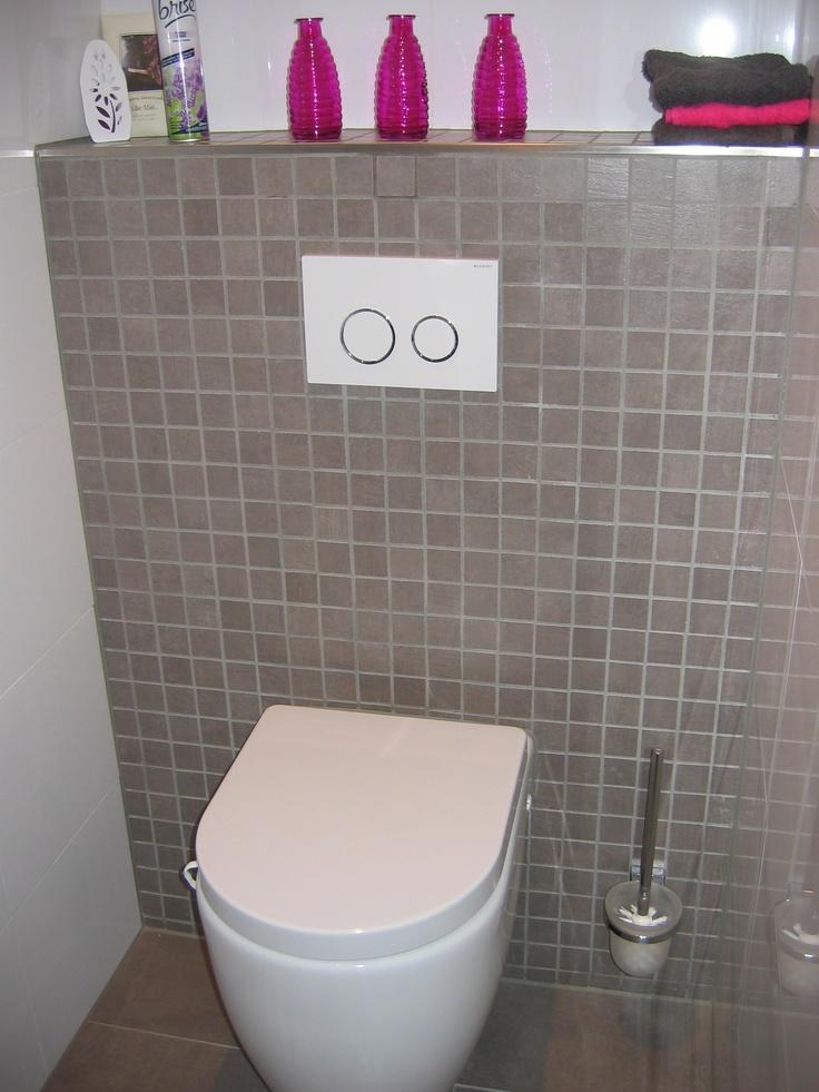 14 best tegelhuys toilet tegels tiles images on for Faience wc toilette