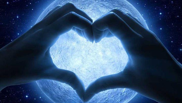 I.V. A.? :-) Sagt ihr bitte, dass ich sie über alles liebe, ja? <3 <3 <3 La Luna llena de enero: en el signo de Cáncer y la primera del año 2017