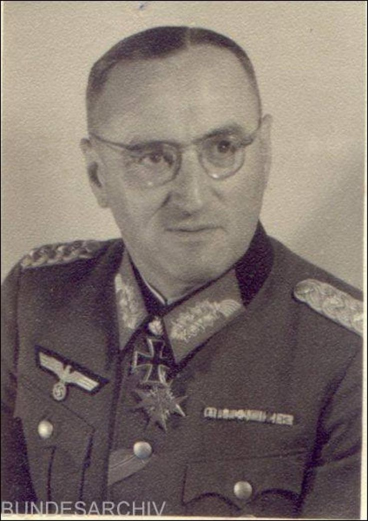 ■ Generalfeldmarschall Ferdinand Schörner (1892-1973) - Oberbefehlshaber des Heeres. Recipient of the Knight's Cross with Oakleaves, Swords and Diamonds.