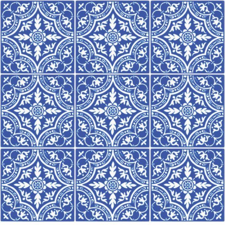Kit com 18 adesivos, modelo de azulejo portuguêsna cor azul. Com laminação protetora, resistente a riscos e limpeza com produtos químicos domésticos, 15x15 cm cada adesivo, totalizando uma área equivalente a 45x90 cm.Ideal para decorar paredes, ...