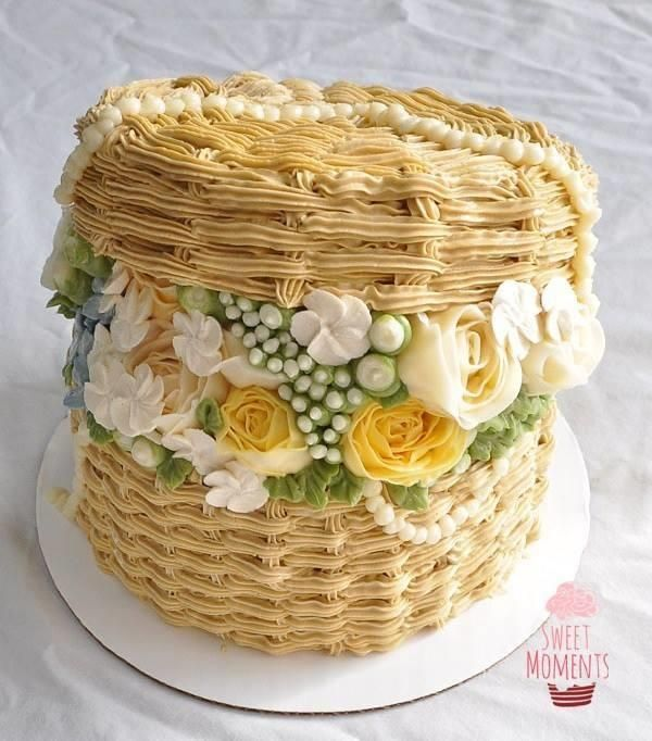 Buttercream hatbox flower cake - Cake by Sweet Moments
