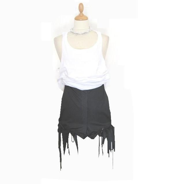 black high crotch shorts with fringes  (*you can wear it with a tank top)