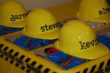 construction-birthday-party Cricut Vinyl names on the hats