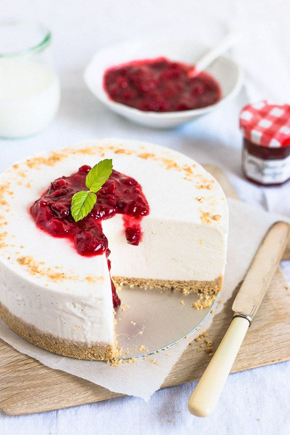 Perfect No-Bake Cheesecake | prettysimplesweet.com
