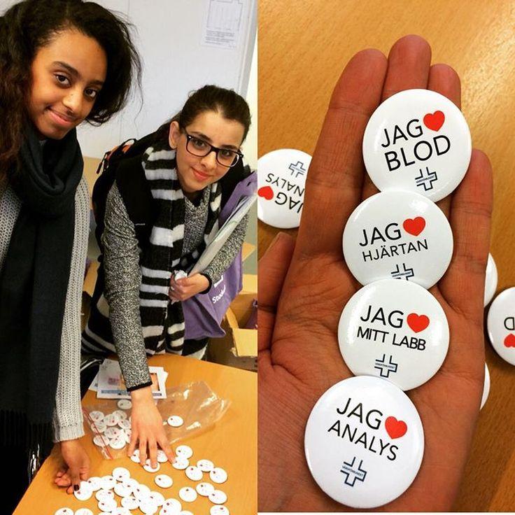 Våra fina pins var uppskattade när vi träffade biomedicinska analytikerna vid Uppsala universitet idag. #vfstudent