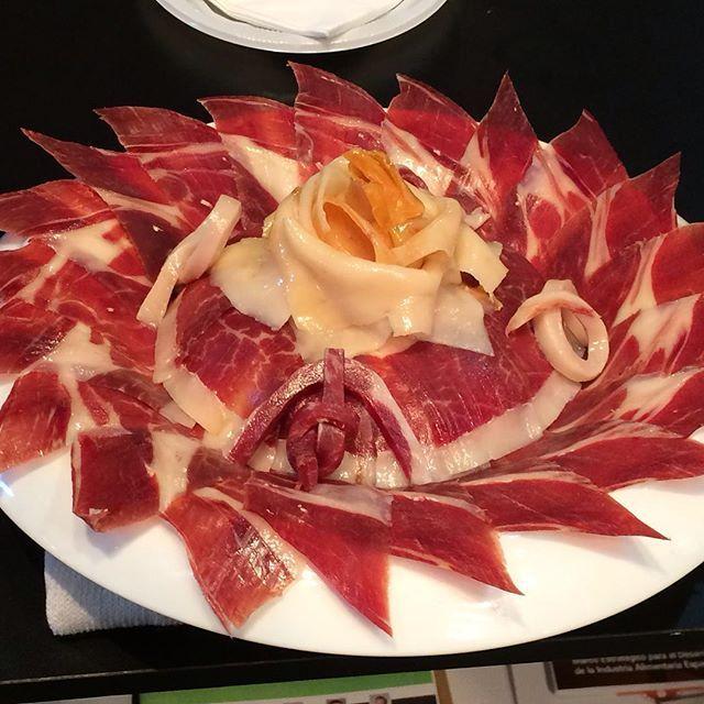#jamon #bellota #jamoniberico #gourmet #badajoz #almendralejo #madrid #jerezdeloscaballeros #olivadelafrontera