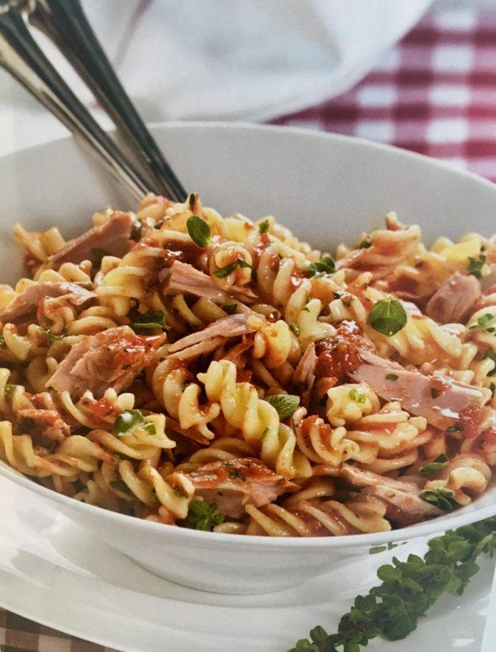 Μακαρονάδα με σάλτσα τόνου με ρίγανη και μαϊντανό (3 μονάδες)