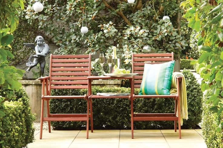 His and Hers!  This quality timber setting is great for enjoying time in the garden together. It is perfect for patios, courtyards or smaller garden spaces.