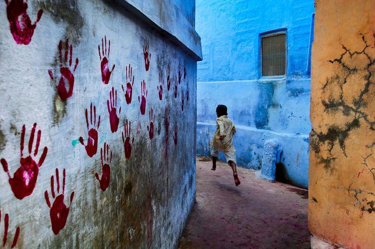 Steve McCurry India via Fubiz