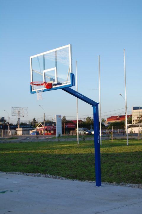 Professioneel outdoor basketbalpaal en basketbalbord. Model Profi van SKWshop. Leverbaar in diverse kleuren.