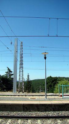 Estación de las Navas del Marqués. Línea Madrid-Irún.  Imágenes de las obras de mejora que está realizando ADIF en la catenaria.
