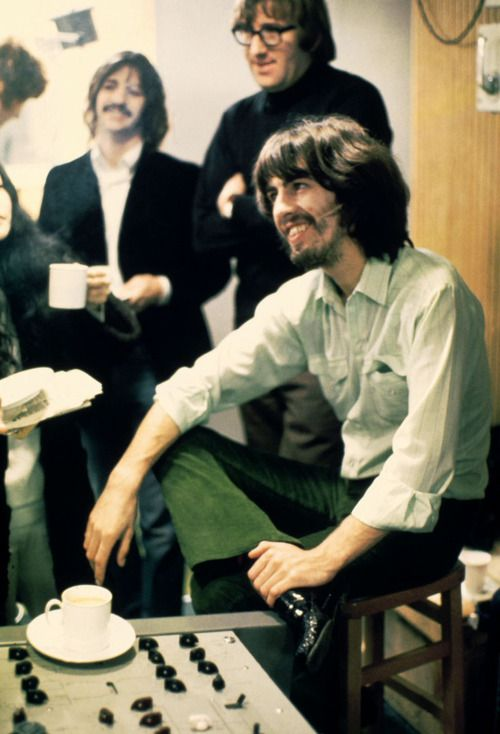 George Harrison, Ringo Starr & Mal Evans. Love George's expression.