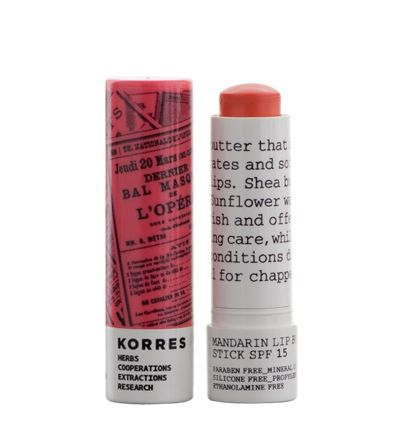PEACH Moisturising / nourishing Mandarin lip butter stick KEY FEATURES & BENEFITS Lip butter with sun protection that instantly hydrates and soften the lips. Ideal for chapped lips. KEY INGREDIENTS Shea butter and Sunflower wax deeply nourish and offer long-lasting care, while Mandarin oil conditions dry lips. korres