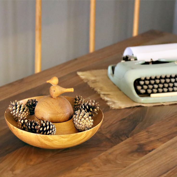Tealight Wooden Bowl: Cover portion is configured with bird form. This product's just not a bowl but also can use a candle holder.