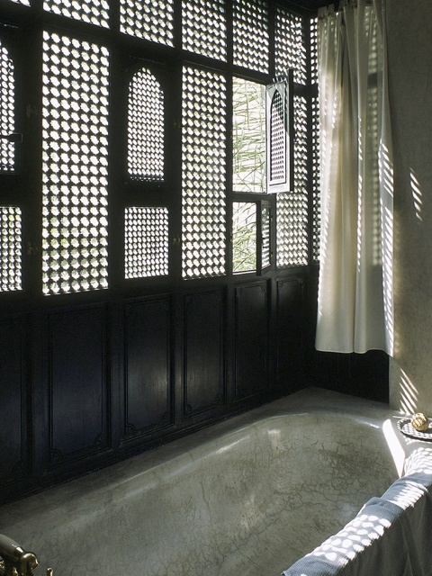 Lay Timber Edging further Sloped Ceiling Lighting Powder Room Contemporary With Angled Ceiling Black And additionally Old Furniture Set Repainting Tips 920 further Cozinha Americana in addition 10 Best Show Homes Visit 10704117. on coastal home interior design ideas