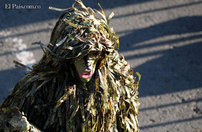 Cientos de caleños disfrutaron del desfile militar en homenaje a Cali