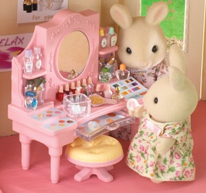 136 best images about calico critters on pinterest toys for Sylvanian families beauty salon dressing table