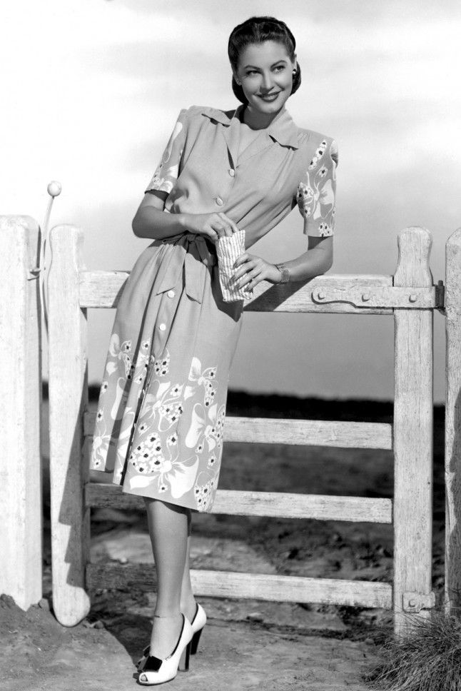 Ava Gardner, 1940s More monochrome. A first hint of statement prints. You can't go wring with a 1940s tea dress.