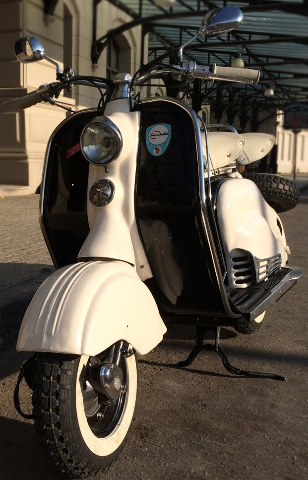 Motocicleta Scooter #Siambreta de Luxe 125. https://www.arcar.org/moto-siambreta-de-luxe-87471