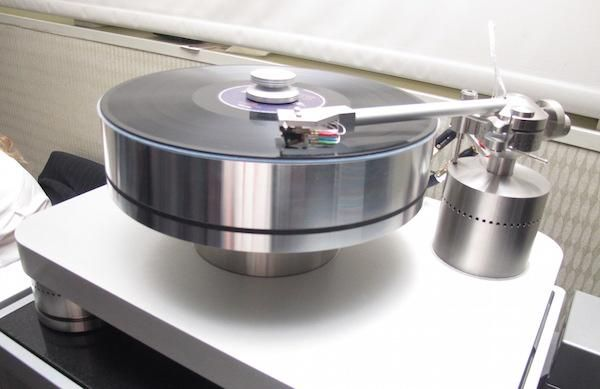 Turntable Vinyl Reviews and News