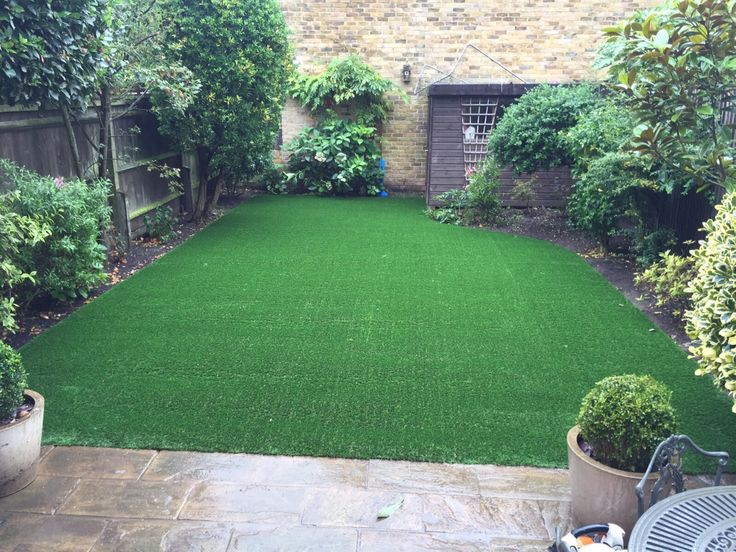 New #artificialgrass lawn - for clean lines and easy to manage garden