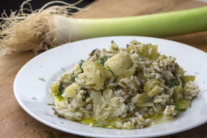 Μια συνταγή πρασόρυζου απ' τη Σμυρνιά γιαγιά μου, με λίγα απλά υλικά και κορυφαία γεύση, χάρη στην ισορροπία της σύνθεσης.