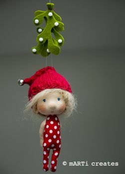 MistletoeOrnament_etsy