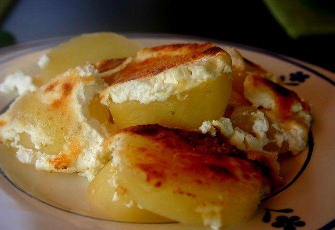 Ha unod a rizibizit, a sült burgonyát meg a sima krumplipürét, ez a receptajánló neked való! Készítsd el valamelyiket a vasárnapi ebédhez.