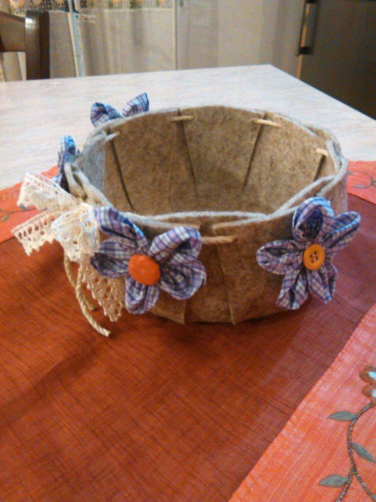cesto svuota tasche in feltro con fiori in stoffa