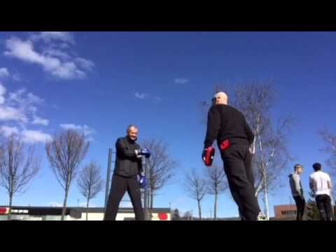 Coach Roger Mittology Training 4 April. - Mayweather style -with kickbox...
