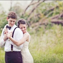 When it comes to weddings, suspenders are sizzlin'.